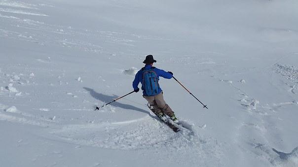 skiing-1343307__340[3]