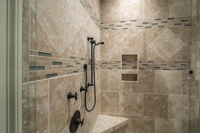 אוהבים להתפנק? אתם חייבים מוט פינוק במקלחת!